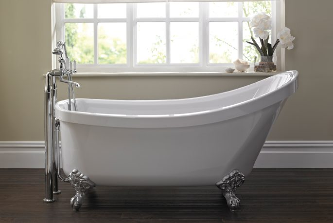A03062 - Traditional Freestanding Slipper Bath & Feet Image