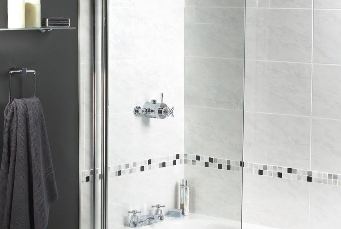 Shine Radius Bath Screen